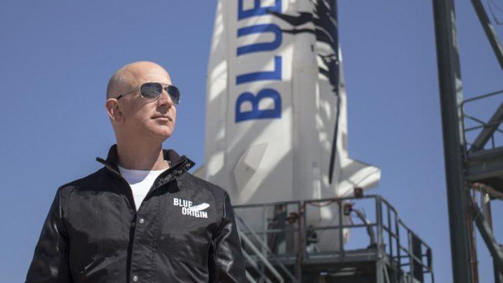 Jeff Bezos vai ao espaço e há uma petição para ficar lá