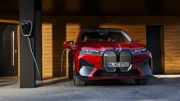 BMW iX xDrive50: 630 km de autonomia e 523 cv