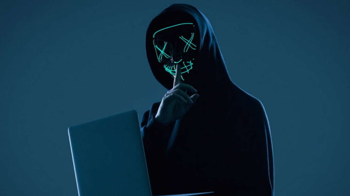 malware Vigilante HOSTS software pirateado