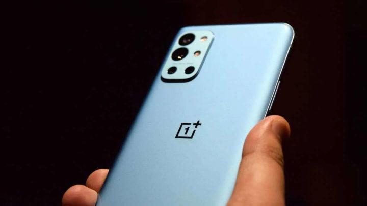 OnePlus Nord smartphone NE2210 equipamentos