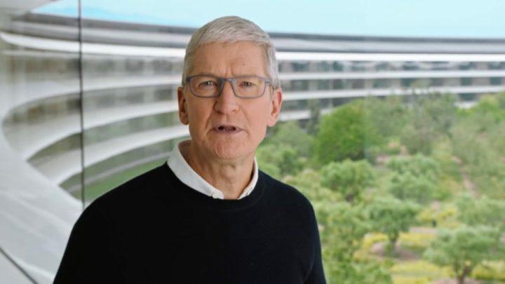 Imagem de Tim Cook, CEO da Apple a falar sobre a UE