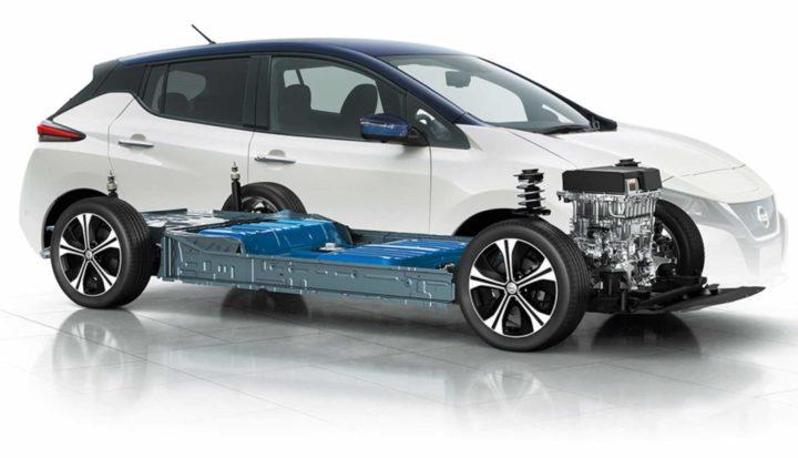 """Nissan constrói """"fábrica gigante"""" de baterias no Reino Unido"""
