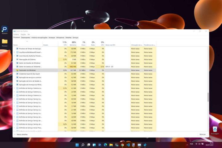 Windows 11 barra tarefas Microsoft ecrã