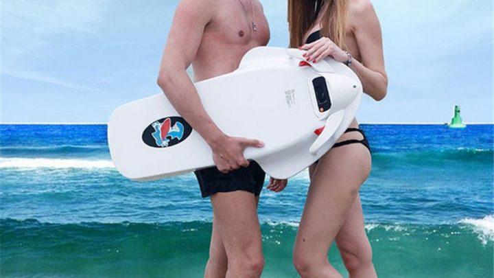 A programar as suas férias na praia? Leve na mala uma prancha elétrica