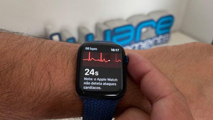 Imagem Apple Watch Series 6 com ECG que deteta fibrilhação auricular