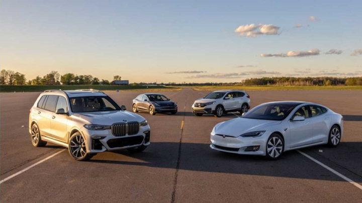 auxiliares condução Tesla carros falhas