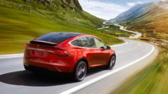Imagem Tesla Model X com bateria sem grandes perdas de capacidade de carga
