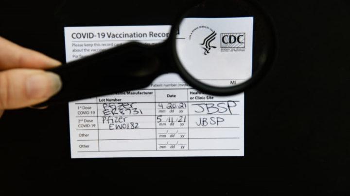 Cartões de vacinação