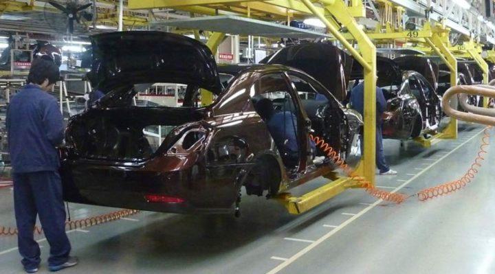 A culpa é dos chips! Fabricantes automóveis encerram produção...
