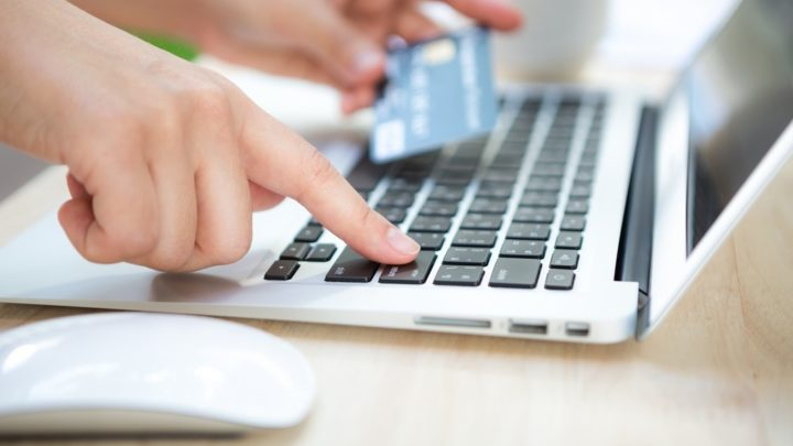 3 Formas efetivas de ganhar a confiança do cliente - Business card photo created by jannoon028 - www.freepik.com