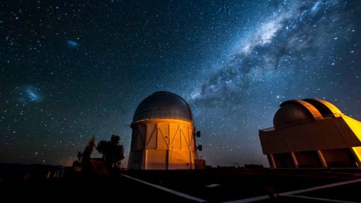 Imagem Dark Energy Survey que vai estudar o cometa gigante