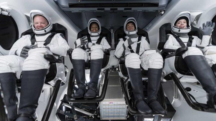 Inspiration4 SpaceX Crew Dragon astronautas terra