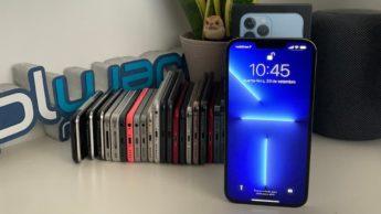 Imagem gama de iPhones com destaque para o iPhone 13 Pro Max com iOS 15.1 beta 2