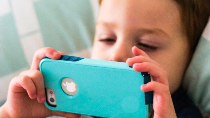 Ilustração iPhone pode detetar autismo infantil