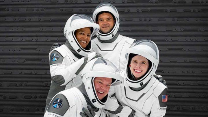 Tripulantes civis para a missão da SpaceX
