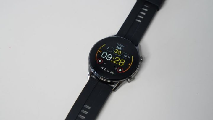 Smartwatch IMILAB W12 oferece monitorização de 13 atividades e SpO2