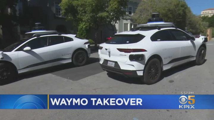 Carros autónomos Google Waymo rua