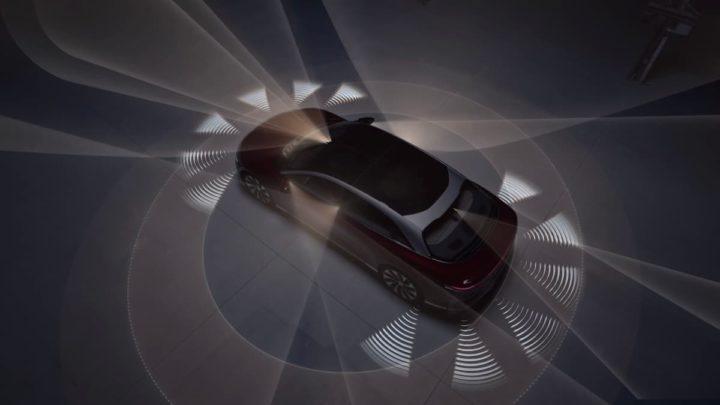 O sistema de assistência ao condutor da Lucid Motors é impressionante